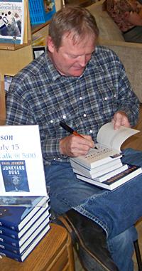 Craig Johnson signing books